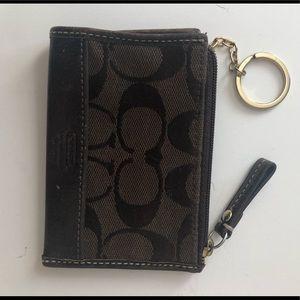 🆕Listing: Coach Signature coin/card purse